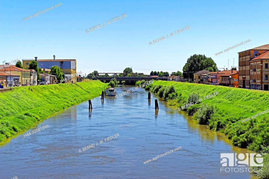 Stock Photo: Europe, Italy, Veneto Veneto, Pontelongo, via Giuseppe Mazzini, bridge, channel, Canale Vigenzole, plants, tourism, place of interest, building, architecture.