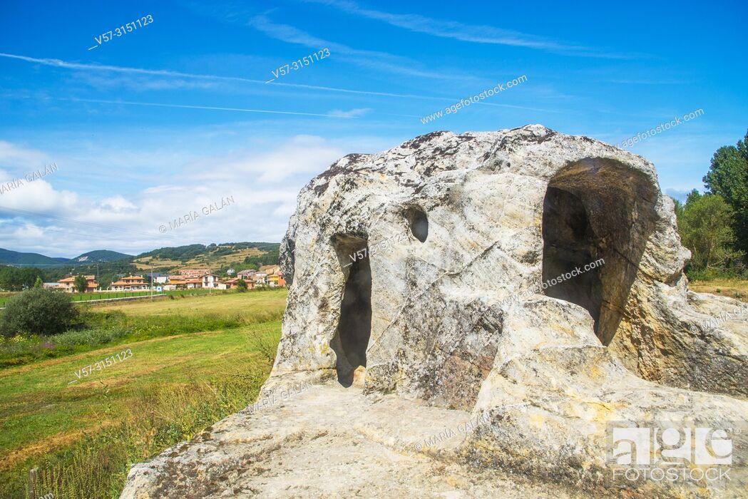 Imagen: San Vicente cave church. Cervera de Pisuerga, Palencia province, Castilla Leon, Spain.