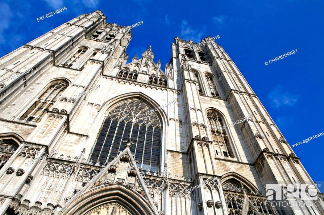 Photo de stock: Looking up at the impressive St. Michael and St. Gudula Cathedral in Brussels, Belgium.