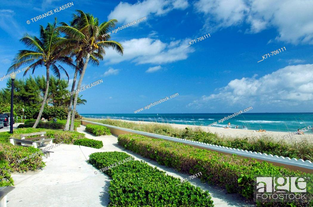 Stock Photo: A West Palm Beach oceanside park along South Ocean Blvd., Florida, USA, 2008.
