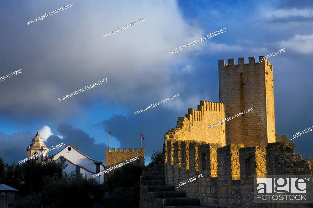 Imagen: Obidos castle, Historic Village in Estremadura  Leiria District  Center Region  Portugal.