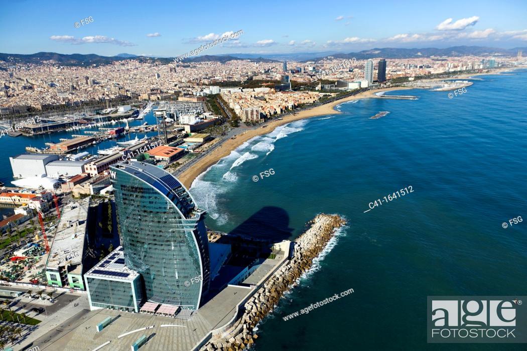 Imagen: Aerial view of Barcelona coastline.