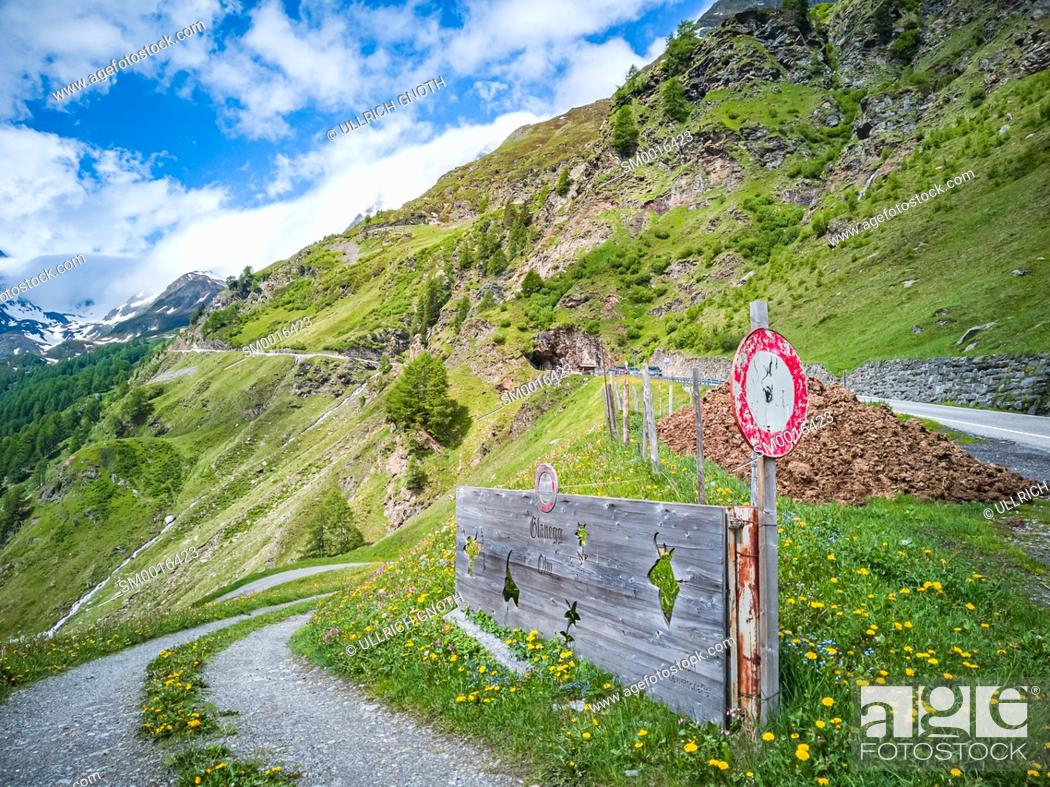 Stock Photo: Mountain scene in the Passeier Valley near Rabenstein above Moos, South Tyrol, Italy.