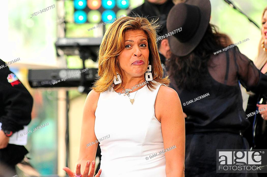 Kelly Clarkson performs on the 'Today' show Featuring: Hoda