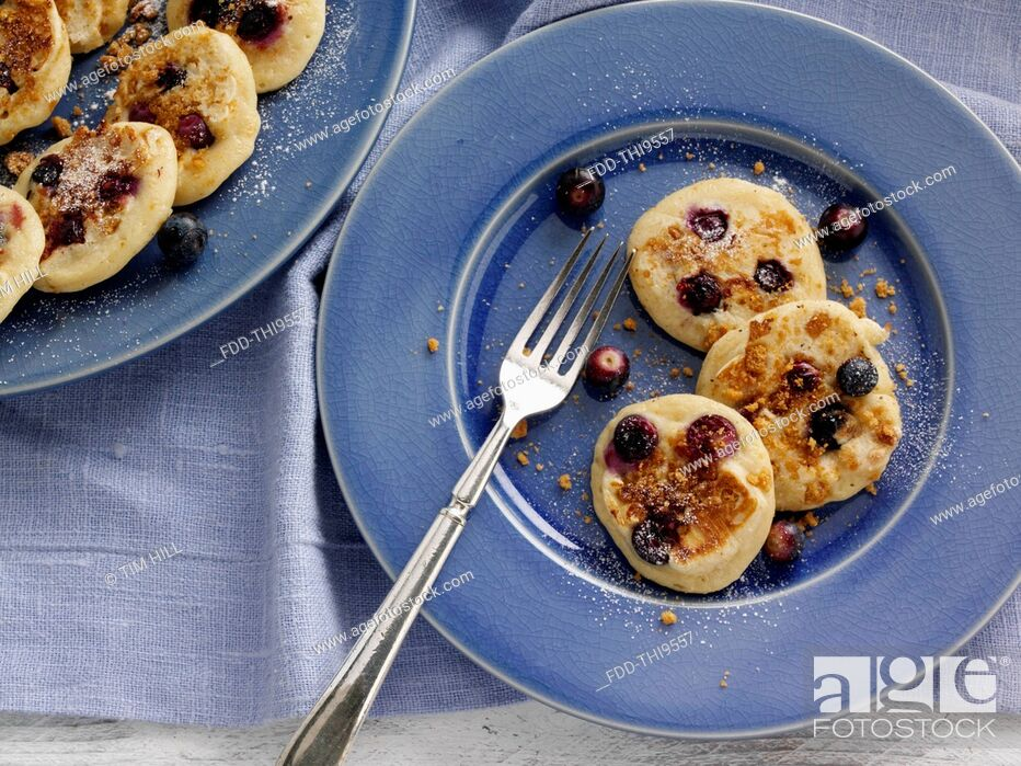 Imagen: Silver dollar ginger snap Huckelberry pancakes.