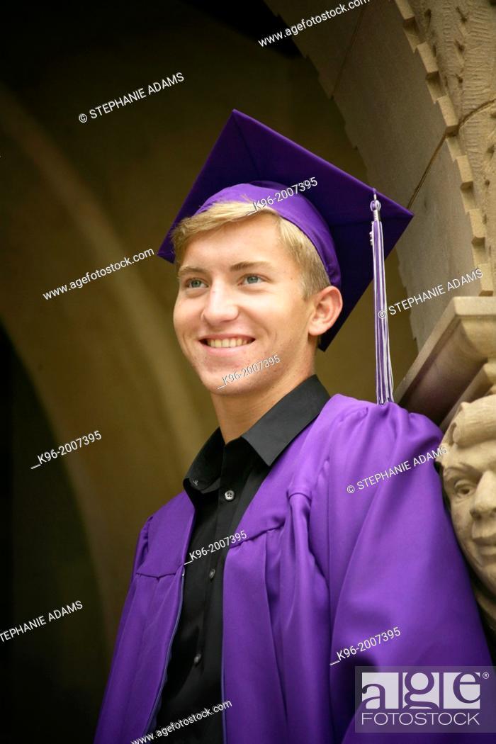 Photo de stock: young male graduate.