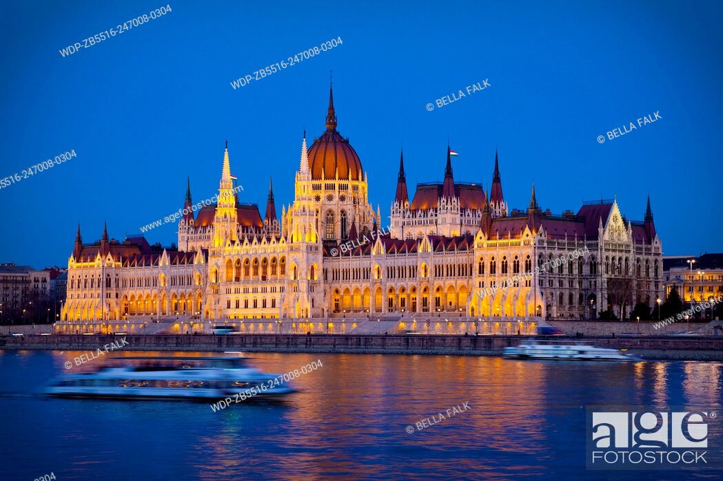 Stock Photo: The Parliament Building seen from across the Danube River, Budapest, Hungary.