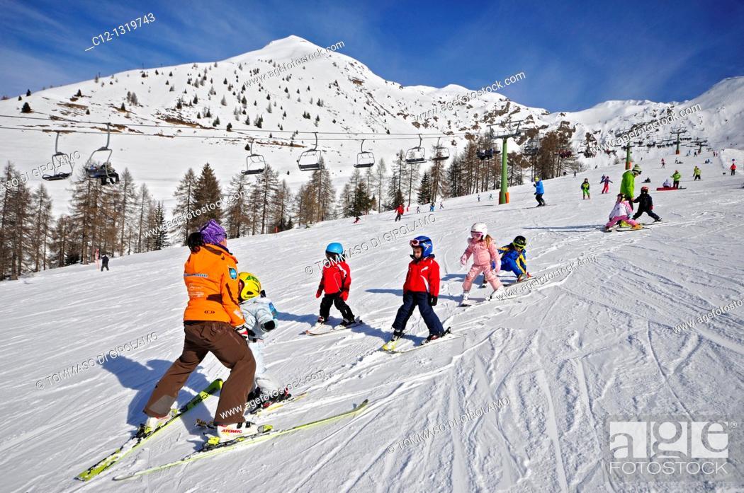 Stock Photo: Skiing, Foppolo, Province of Bergamo, Italian Alps.