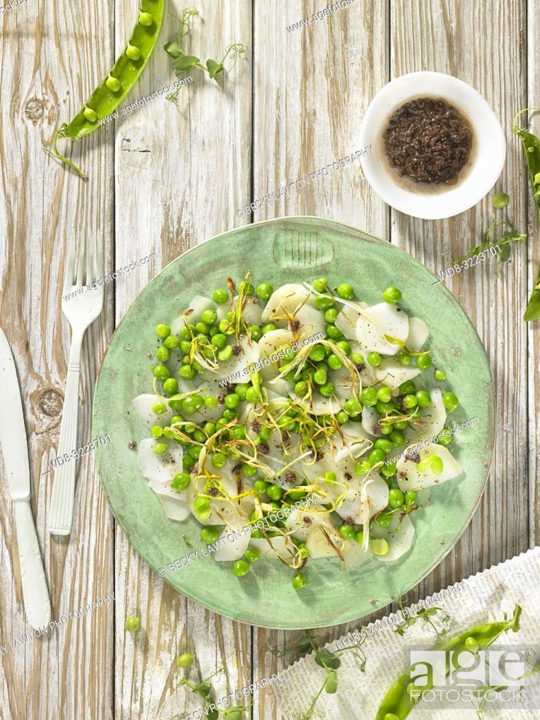 Stock Photo: ensalada de guisantes y patatas / Pea and potato salad.