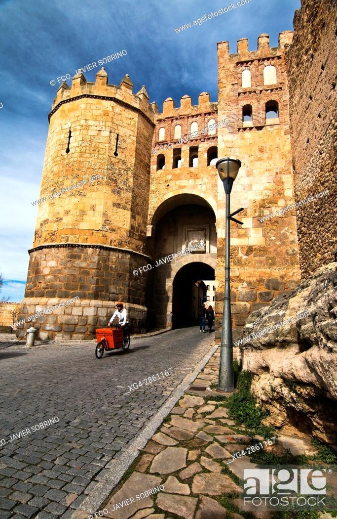 Stock Photo: Puerta de San Andrés, también llamada Puerta de la Judería - Segovia - Castilla-León - España - Europa.
