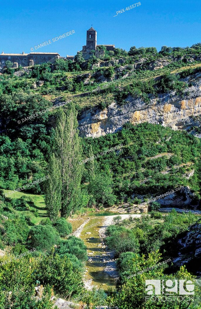 Imagen: Spain, province of Huesca, autonomous community of Aragon, Sierra y Ca¤ones de Guara natural park, Rodellar village above the Mascun canyon.