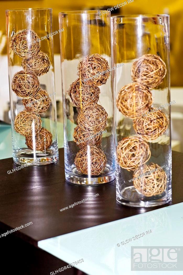 Photo de stock: Straw balls in glassware.