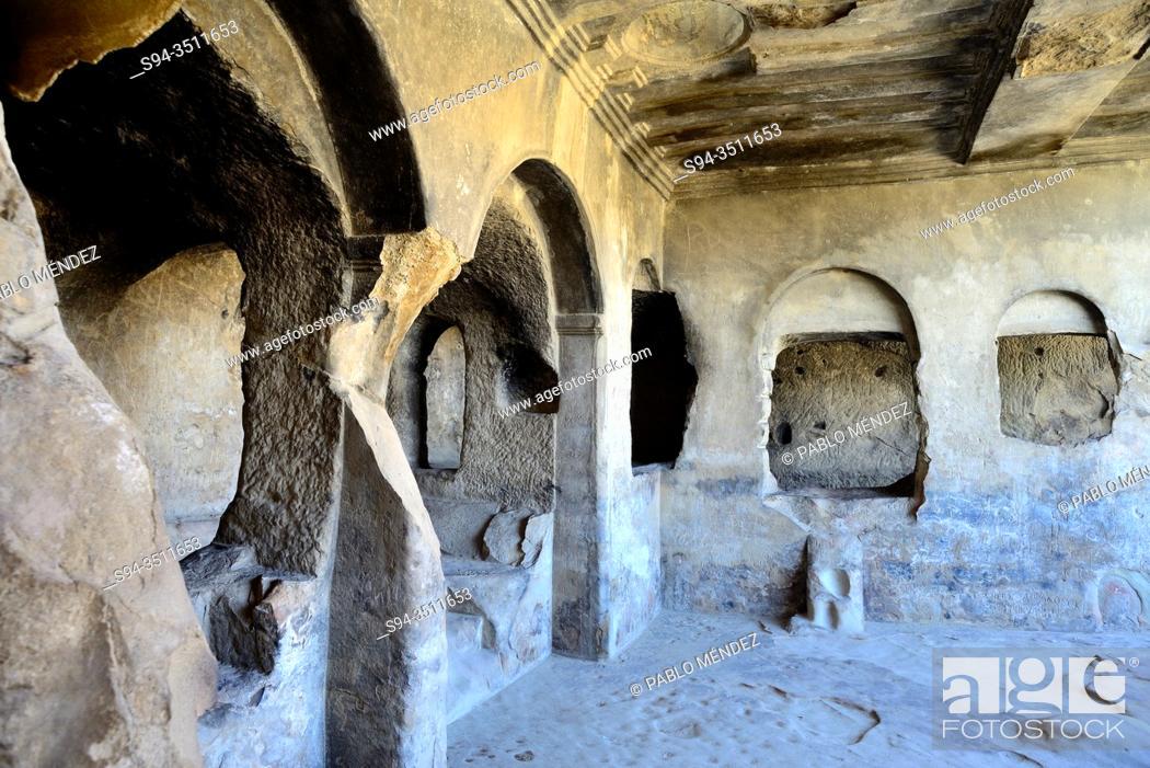 Imagen: The Big Hall. Troglodyte city of Uplistshikhe, Gori, Georgia.