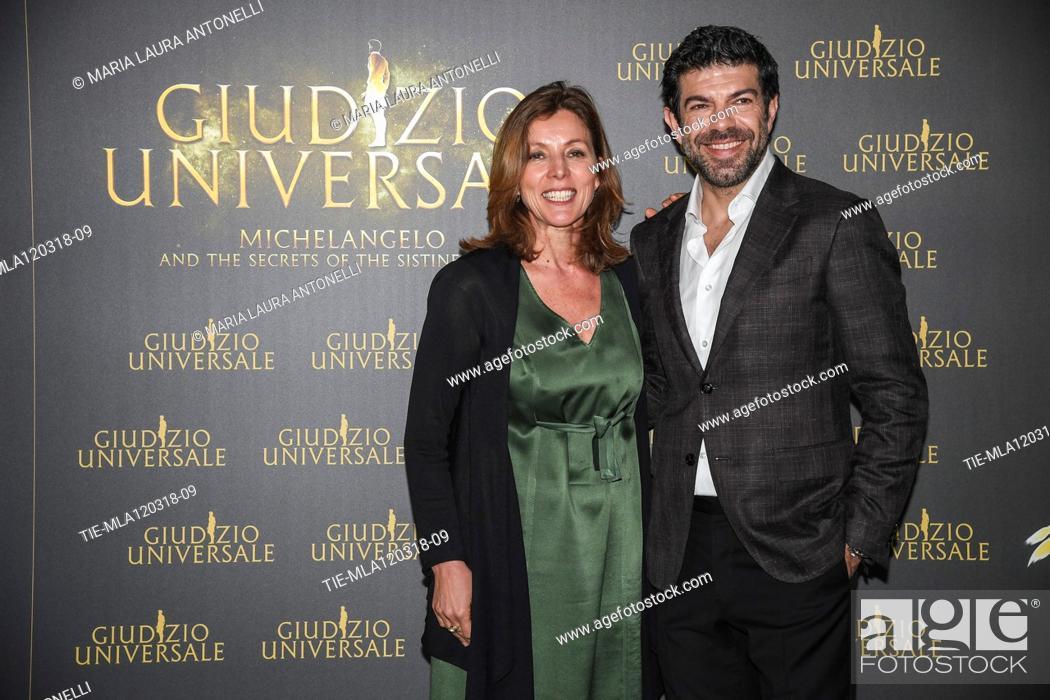 Imagen: Art historian Barbara Jatta, actor Pierfrancesco Favino during the photocall of Live Show 'Giudizio Universale' Rome,ITALY-12-03-2018.