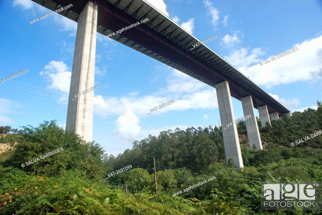 Stock Photo: Motorway bridge 63 crossing the Asturian forest, Asturias, Spain, Europe.