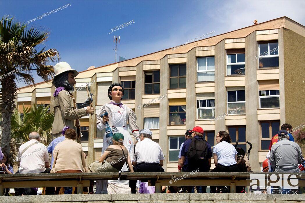 Stock Photo: Giants in the neighborhood of the Barceloneta.