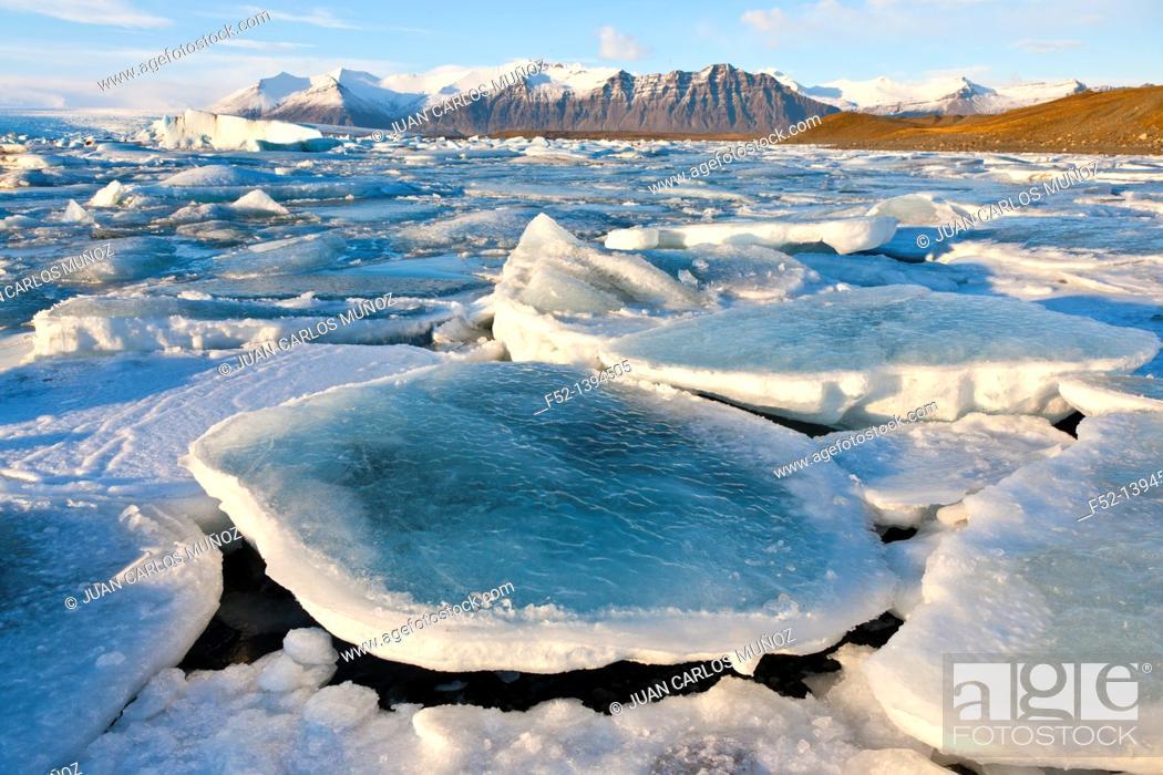 Stock Photo: Jokulsarlon glacier lagoon, Southern Iceland, Iceland, Europe.
