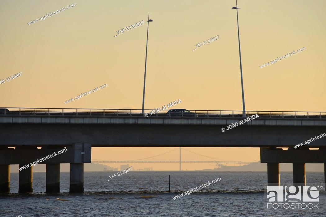 Stock Photo: Highway passing through the protected wildlife at the Tagus Estuary.