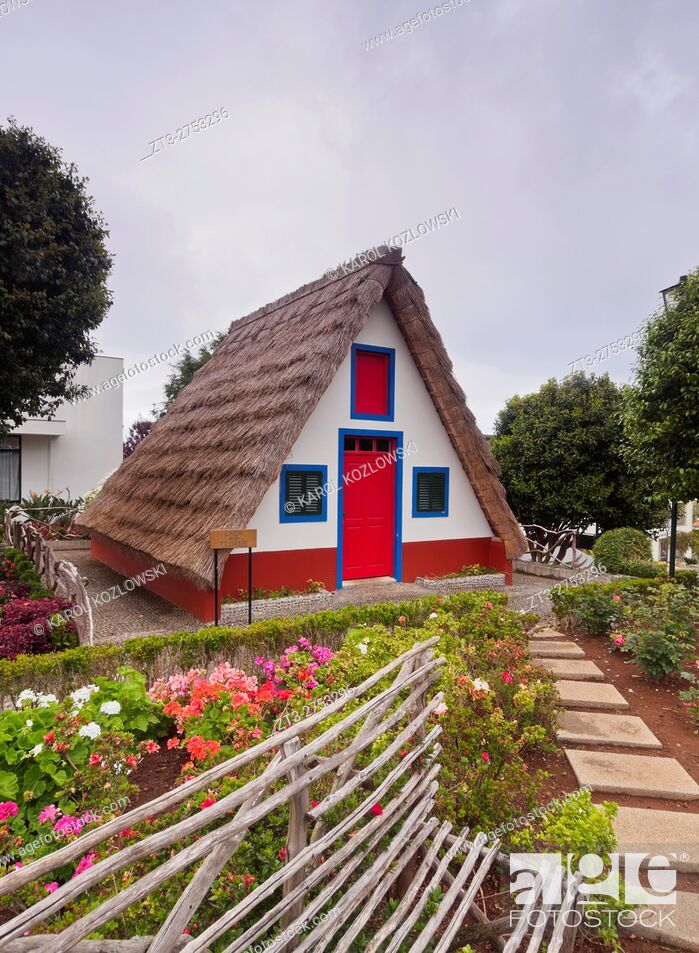 Imagen: Portugal, Madeira, Traditional Rural House in Santana. .