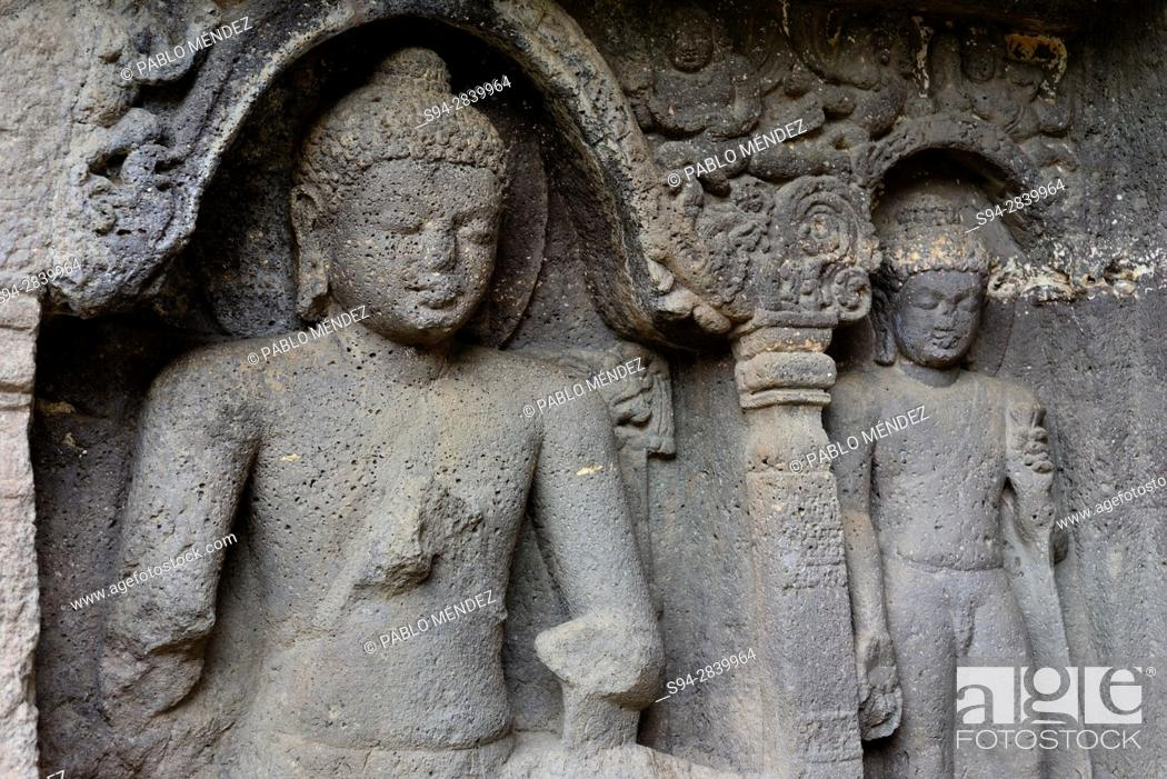 Imagen: Relief of Buddha. Temple of Ajanta caves, Auranganbad, Maharastra, India.