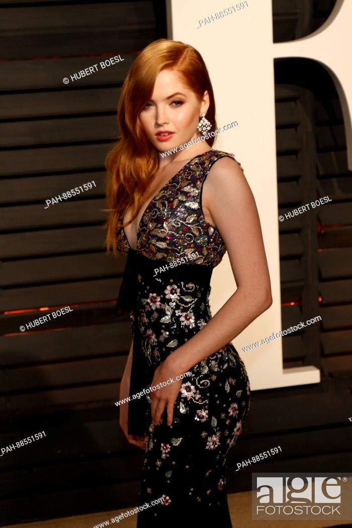 Ellie Bamber Arrives At The Vanity Fair Oscar Party At