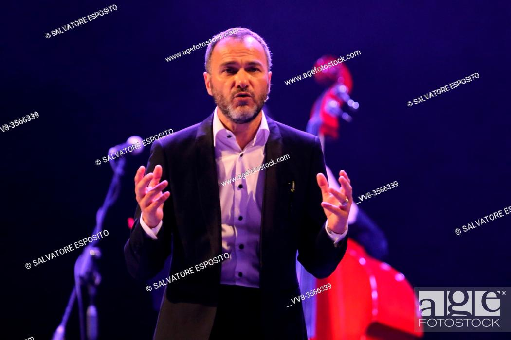 Stock Photo: Massimiliano Gallo during the show titled.