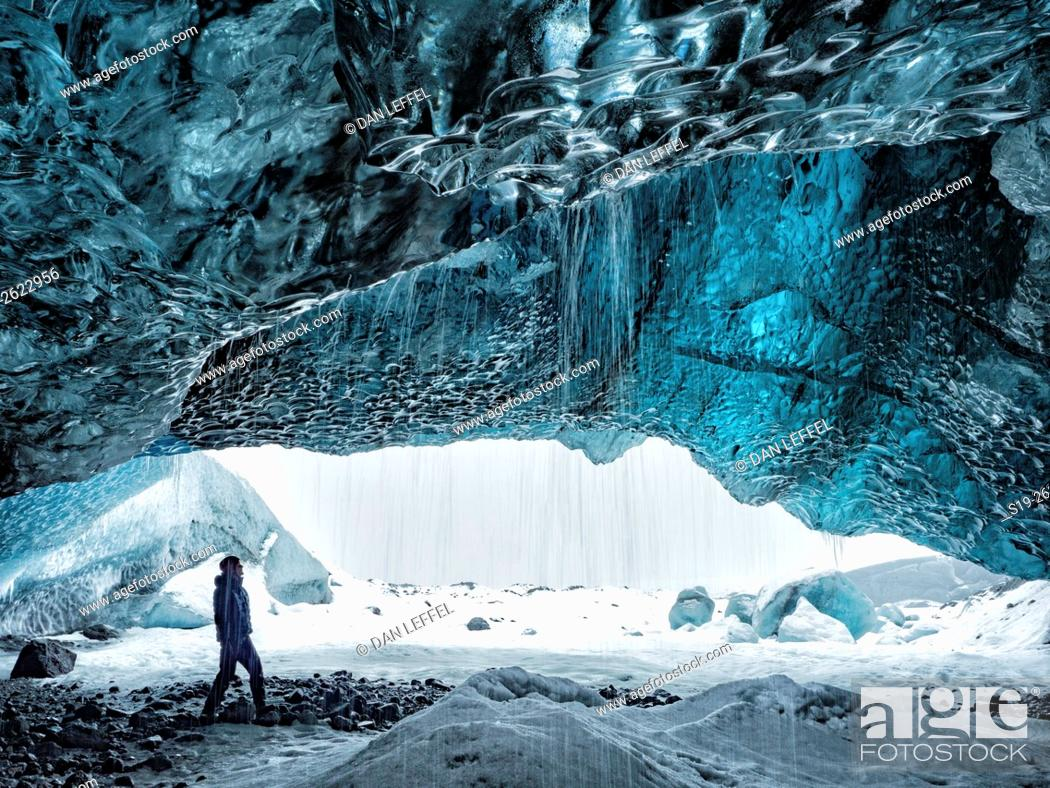 Imagen: Iceland Ice Cave Exploration.