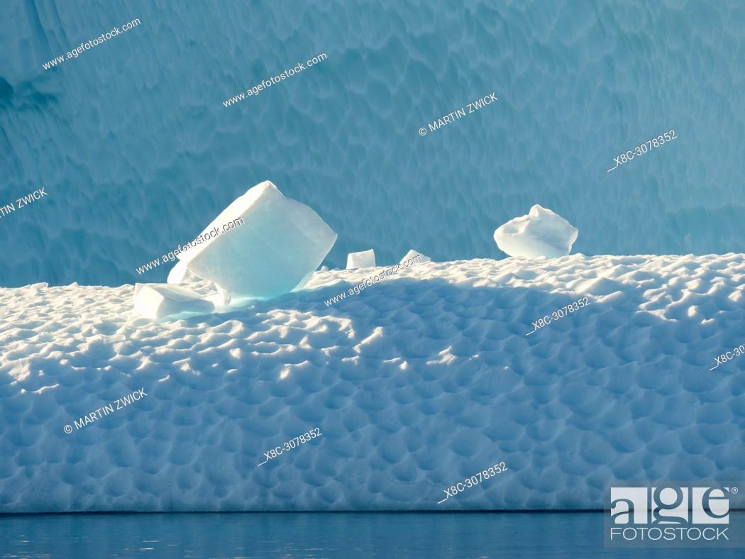 Imagen: Icebergs in the Uummannaq fjord system in the north of west greenland. America, North America, Greenland, Denmark.