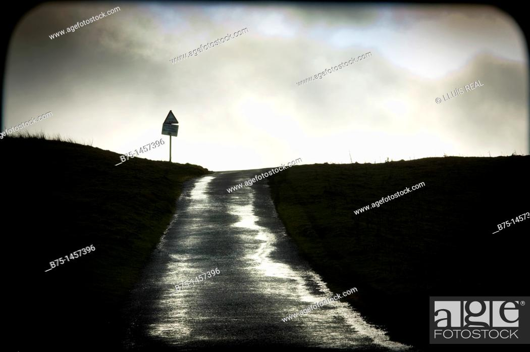 Stock Photo: road in yorkshire dales, England, UK.