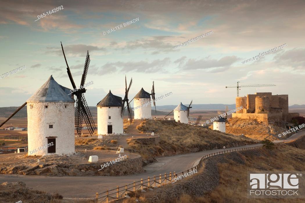 Stock Photo: Spain, Castile-La Mancha Region, Toledo Province, La Mancha Area, Consuegra, antique La Mancha windmills, late afternoon.