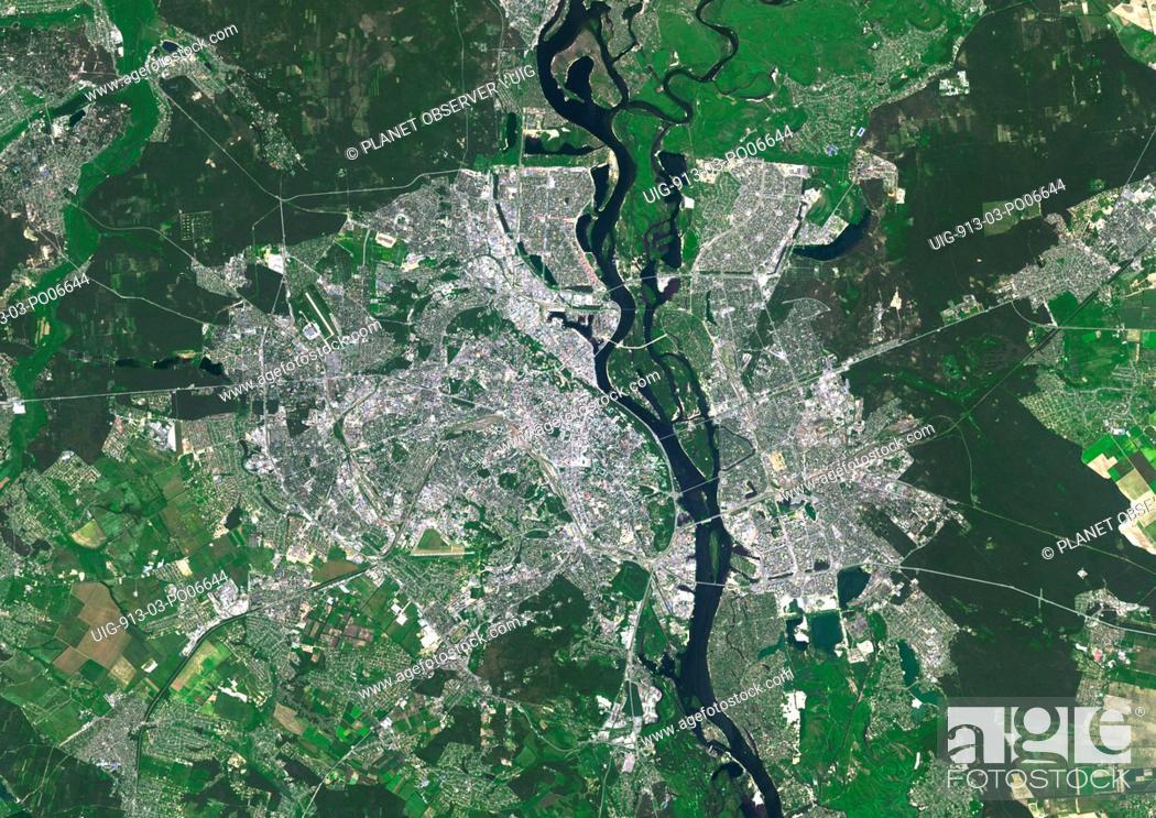 Imagen: Colour satellite image of Kiev, Ukraine. Image taken on June 6, 2014 with Landsat 8 data.