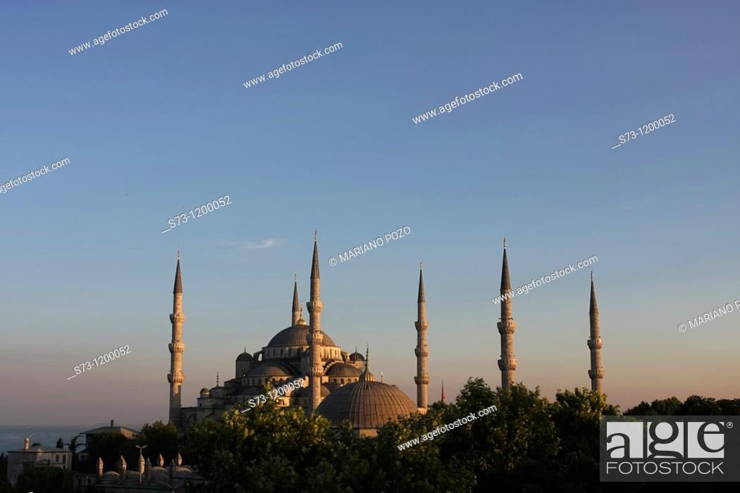 Stock Photo: Mosque Sultan Ahmet, Blue Mosque, Istanbul, Turkey.