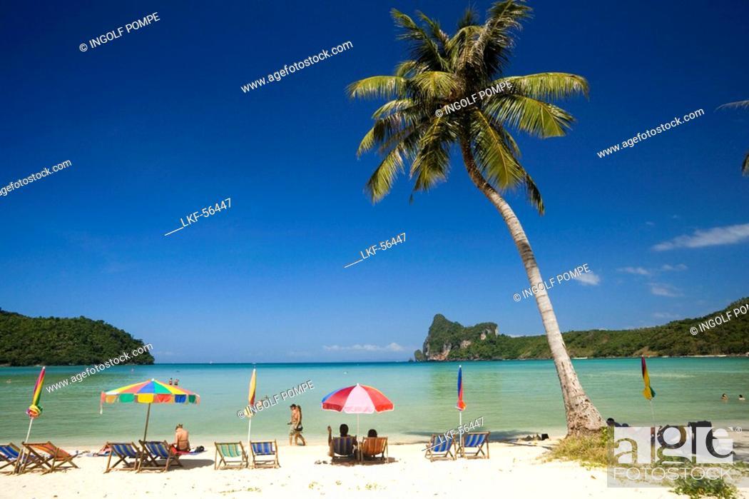 Stock Photo: Tourists sunbathing at beach Ao Lo Dalam, Lohdalum Bay, Ko Phi Phi Don, Ko Phi Phi Island, Krabi, Thailand, after the tsunami.