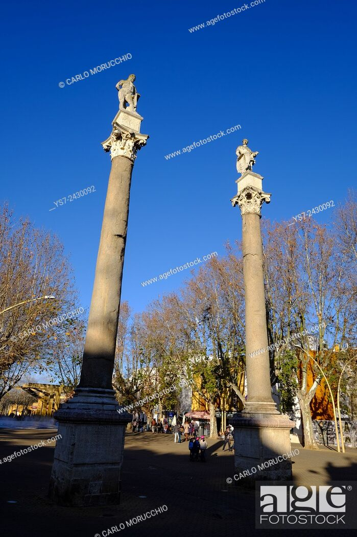 Stock Photo: Roman columns with statues of Hercules and Julius Caesar, La Alameda, Seville, Andalusia, Spain.