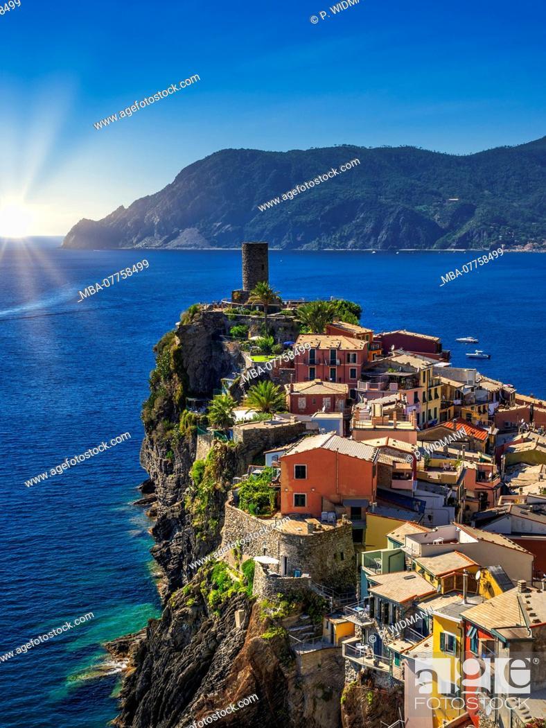 Stock Photo: Fishing village of Vernazza, UNESCO World Heritage Cultural Site, Cinque Terre, Riviera di Levante, province of La Spezia, Liguria, Italy, Europe.