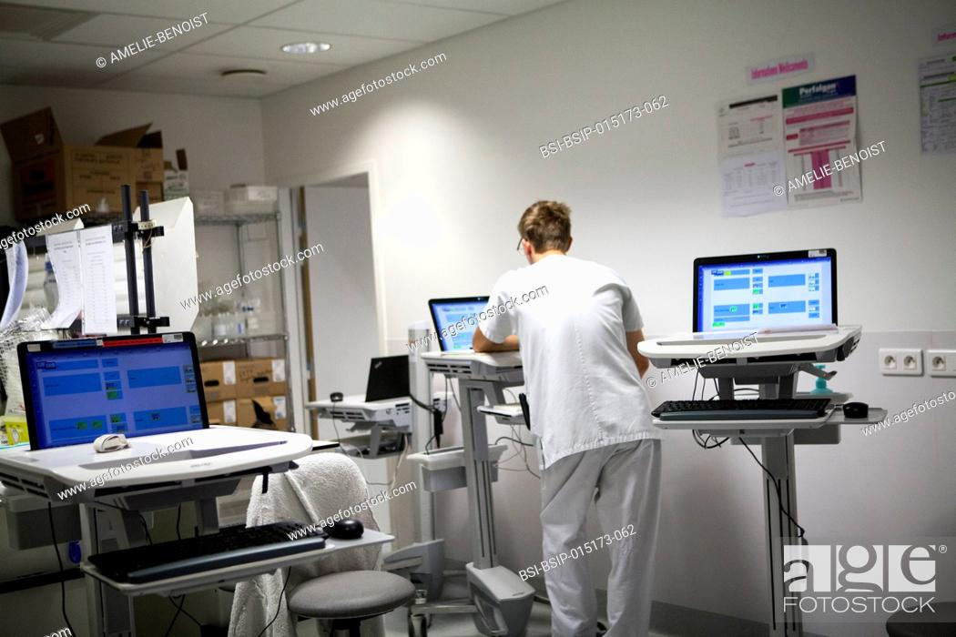 Stock Photo: Reportage in the pediatric emergency unit in a hospital in Haute-Savoie, France. Nurse.
