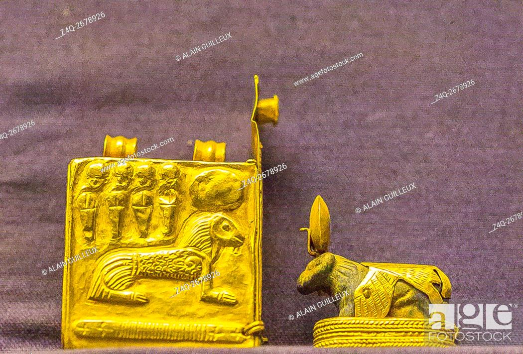 Stock Photo: Egypt, Cairo, Egyptian Museum, jewellery found in the royal necropolis of Tanis : Amulet of a lapis-lazuli ram (representing the god Amon), with its golden box.