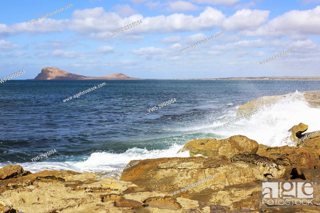 Stock Photo: Coastline at Baia da Murdeira with Lion Mountain on the horizon, Murdeira, Sal Island, Salinas, Cape Verde, Africa.