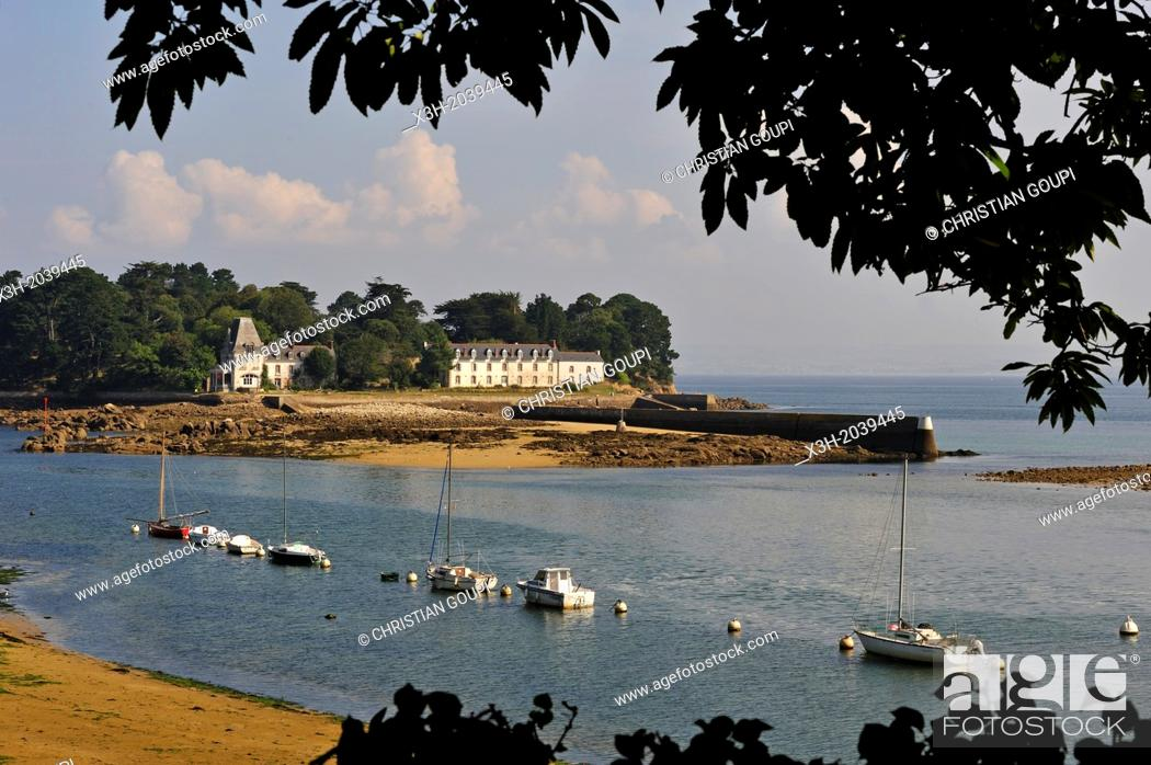 Stock Photo: Tristan Island off Douarnenez, Finistere department, Brittany region, west of France, western Europe.