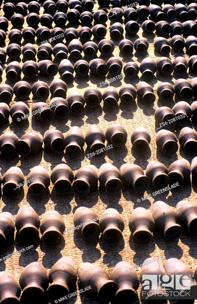 Stock Photo: Ceramic pots, Bhaktapur, Nepal.