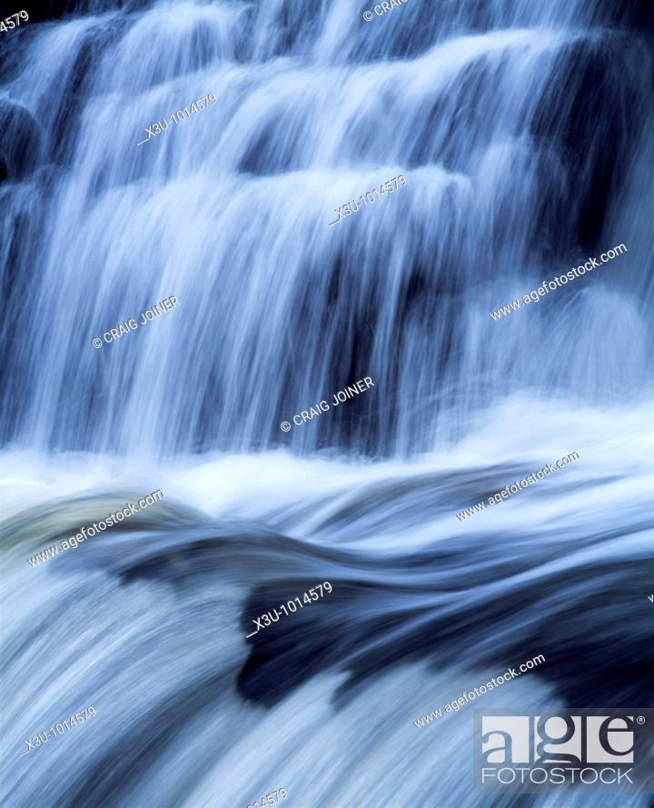 Stock Photo: Sqwd Y Pannwr waterfall on the River Mellte near Pontneddfechan in the Brecon Beacons National Park, South Wales, United Kingdom.
