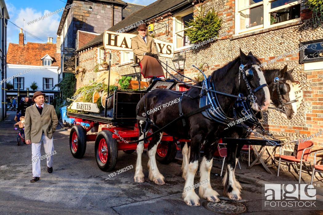 Stock Photo: Harveys Brewery Dray Outside The John Harvey Tavern, Lewes, Sussex, England.