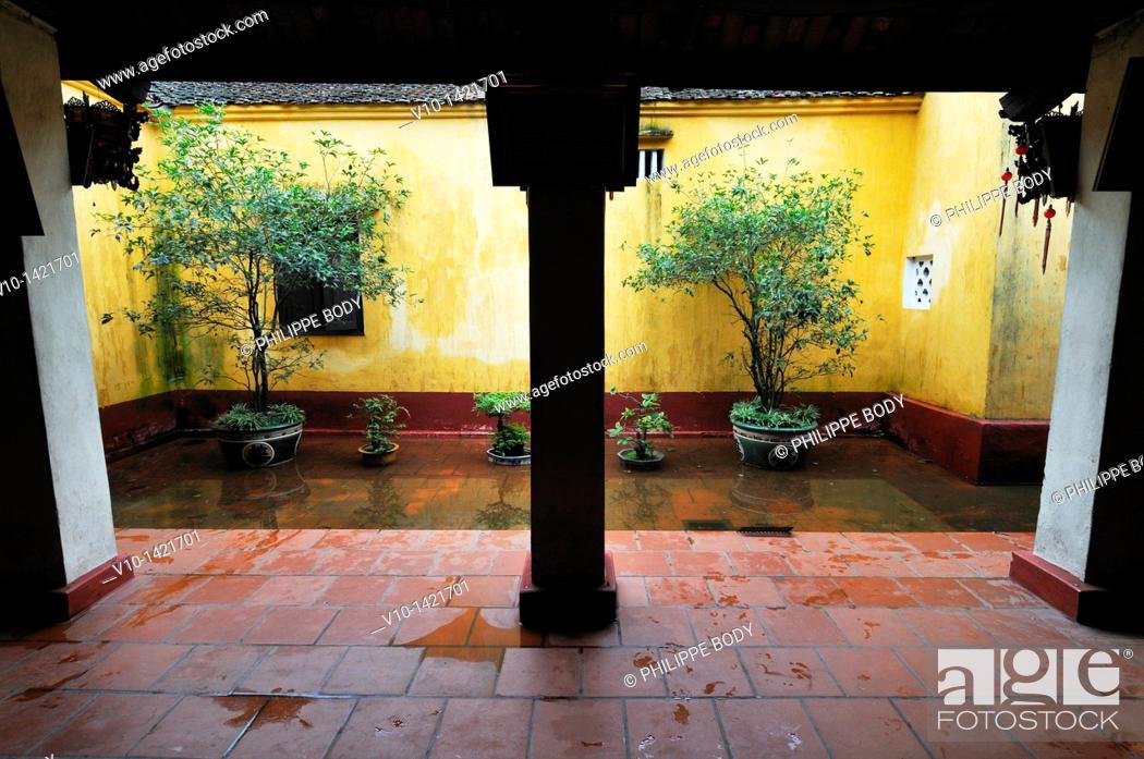 Stock Photo: Vietnam, Hanoi, Tran Quoc pagoda, built in XV then in XVIII centuries.