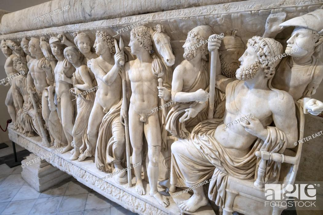 Imagen: Detail of reliefs on a Roman period, marble sarcophagus depicting the life of Achillies, first half of the 3rd century AD. Capitoline Museums.