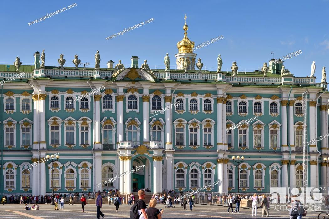 Imagen: St. Petersburg Russia. The Winter Palace Hermitage Museum.