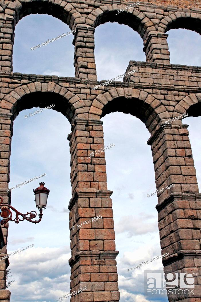 Stock Photo: Roman aqueduct, Segovia, Castilla-Leon, Spain.