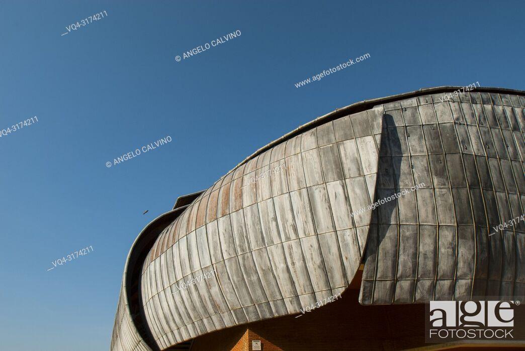 Imagen: Details of the Auditorium in Rome, Project by Architect Renzo Piano, Accademia Nazionale di Santa Cecilia, Italy.