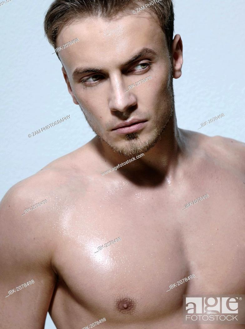 Stock Photo: Beauty portrait, bare-chested young man.