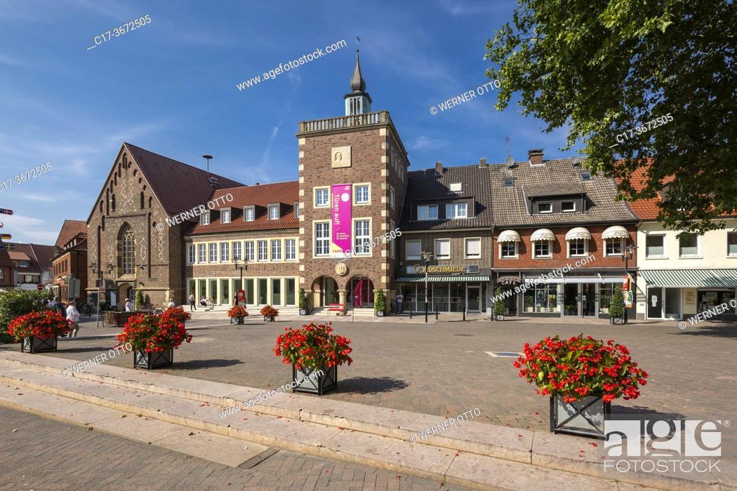 Stock Photo: Borken, D-Borken, Hohe Mark Westmuensterland Nature Park, Muensterland, Westphalia, North Rhine-Westphalia, NRW, old city hall and former Church of the Holy.