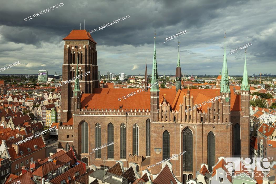 Imagen: St Mary's basilica in Gdansk old town, Poland.
